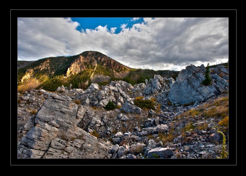 mammoth scenic border