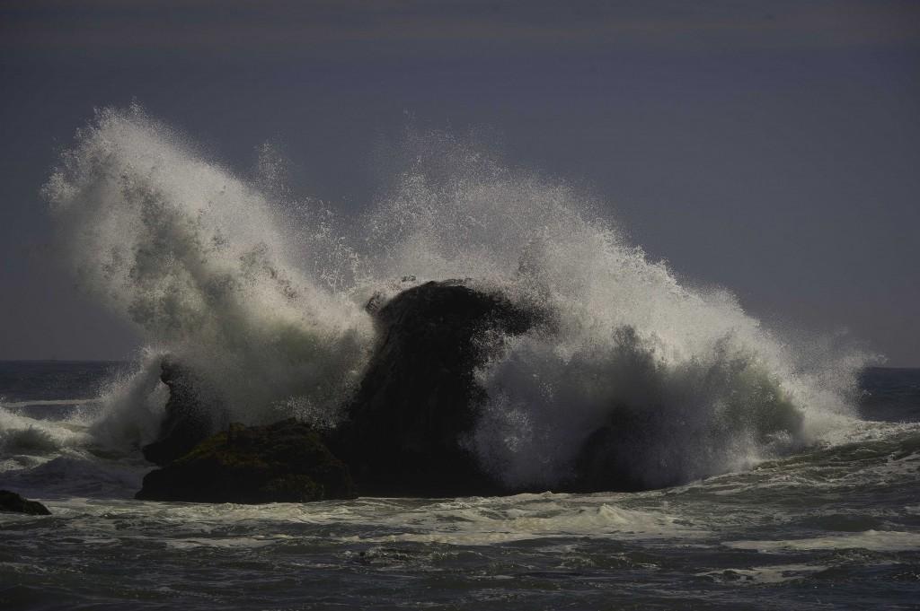 oceanbreakrock2